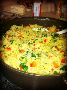 orzo pasta with red pepper, garlic, and spinach
